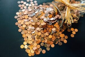 mince, dolary